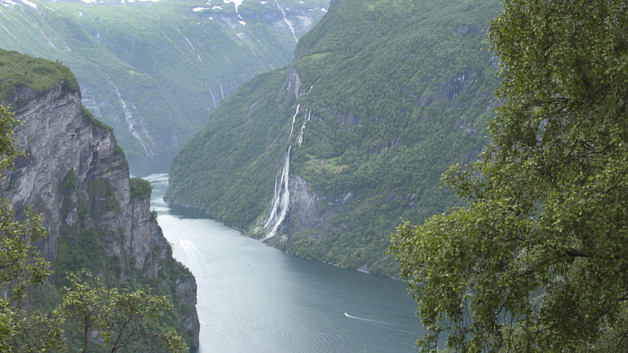 04.--west_norwegian_fjords_geirangerfjord_and_naeroyfjord_norwayc_unesco_hyperthese_productions_2
