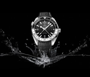 11a.--Omega-Seamaster215.33.44.22.01.001_with-background